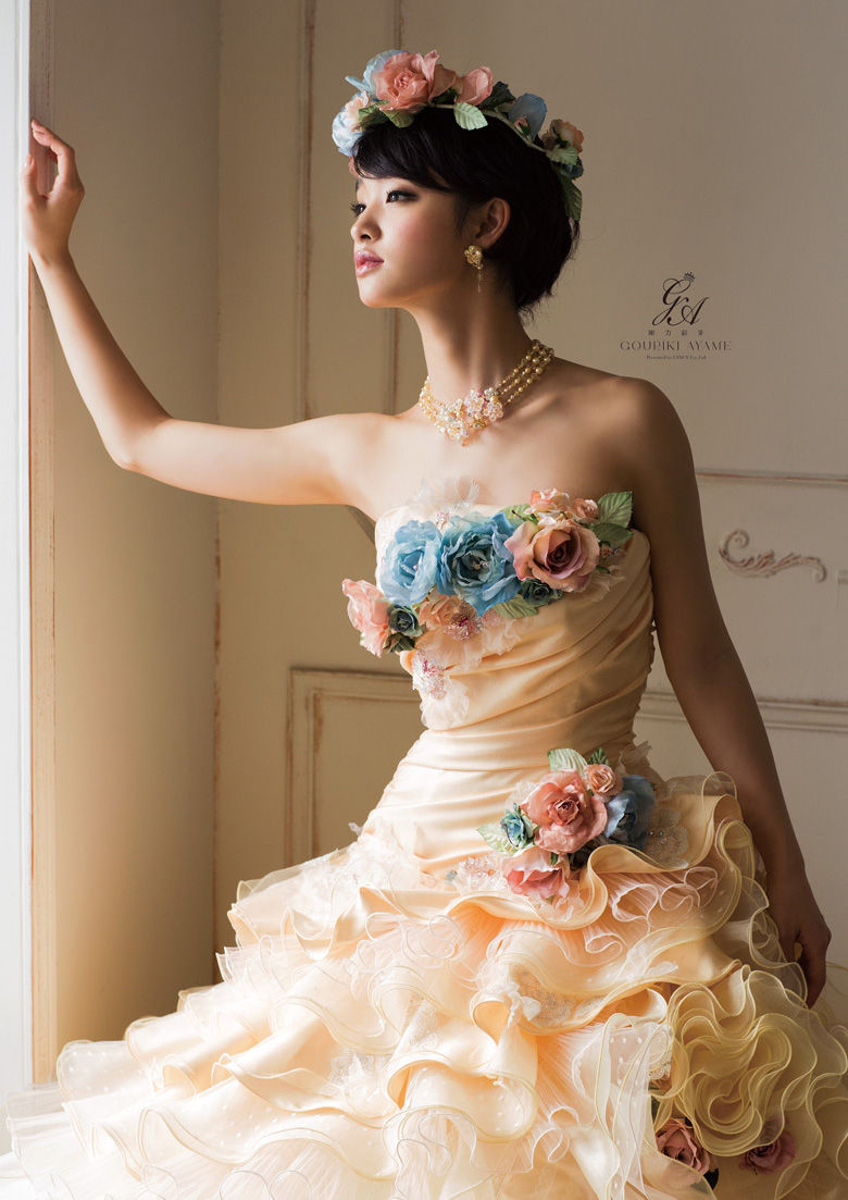 ドレスを着る剛力彩芽