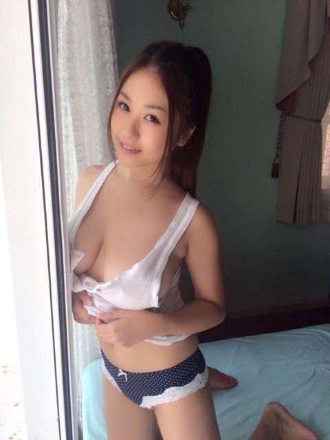 西田 麻衣 ニコニコ