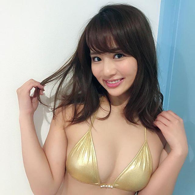 平嶋夏海(25)立ちバックでガン突きしたくなるデカ尻がけしからんww【エロ画像】