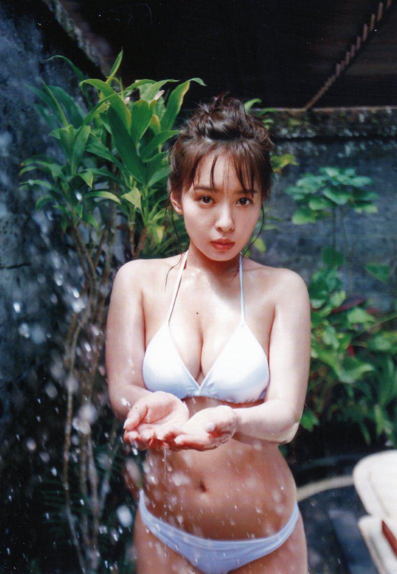 元NMB48山田菜々 (24)の最新グラビアがぐうシコ!写真集にカレンダーとセクシー路線でけしからんww【エロ画像】