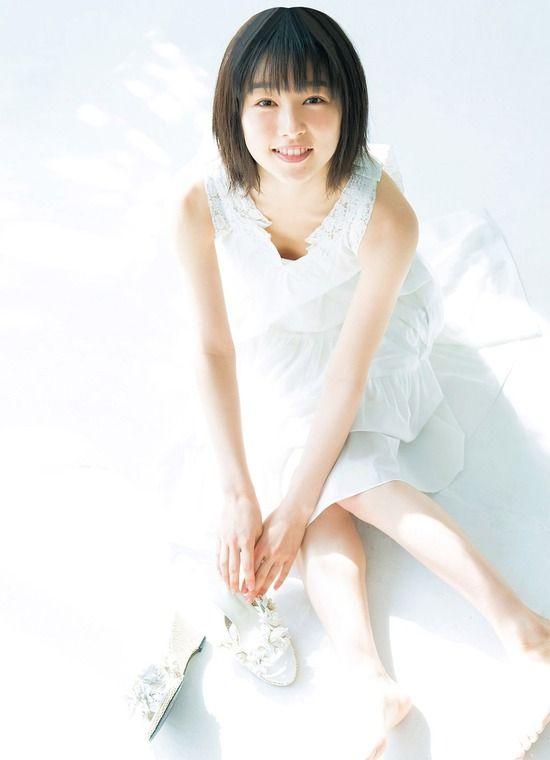 桜井日奈子(21)透明感が半端ないグラビアを披露ww【エロ画像】