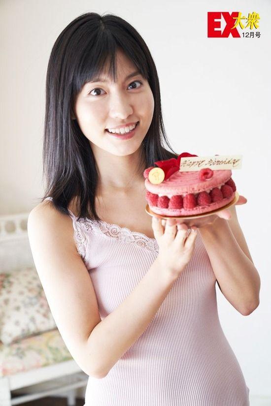 AKB48谷口めぐ(20)の水着グラビアが抜けるww【エロ画像】
