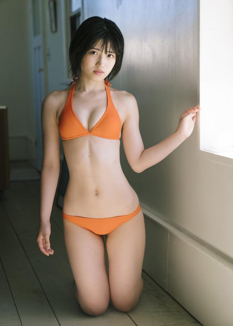 AKB48村山彩希(21)の巨乳化してエッチな水着グラビアが抜けるww【エロ画像】