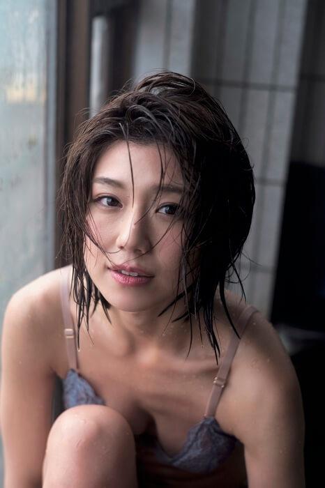 藤木由貴(26)の最新水着グラビアがセクシーでエロいww【エロ画像】