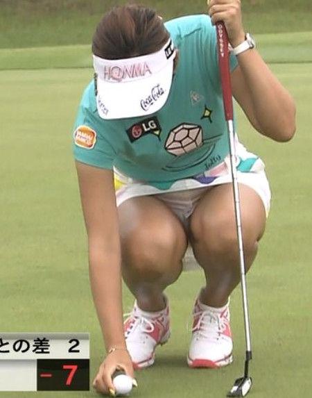 イ・ボミ(27)のパンチラがエロい!ゴルフで鍛え上げたムチムチ太ももと巨乳にフルボッキ!
