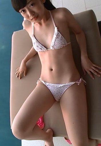 西野小春(17)の現役JKボディたまらんwwwwwww【エロ画像】