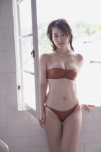 元局アナ薄井しお里(28)の変態グラビアがエロいww【エロ画像】