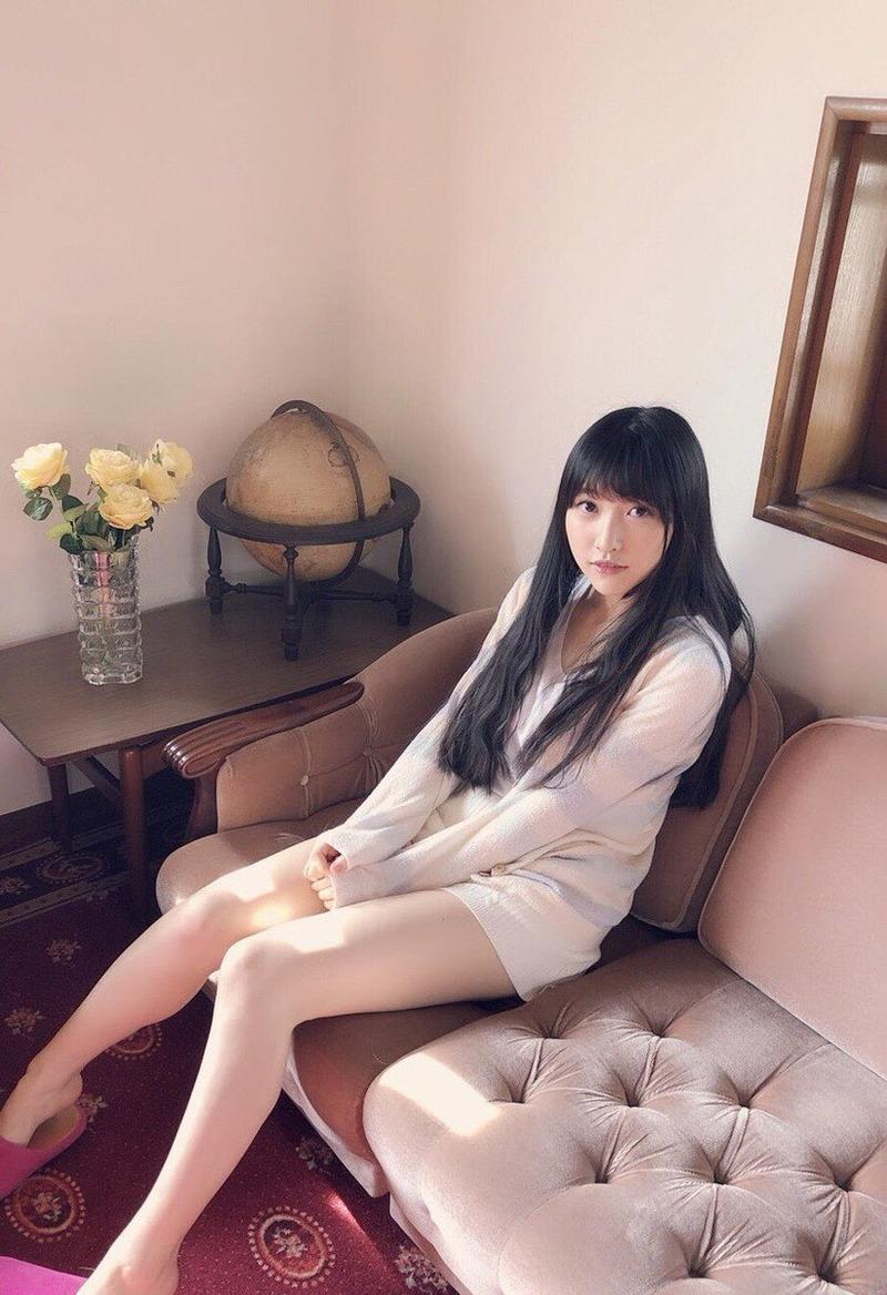 声優・山崎エリイ(21)の生足美脚のグラビアがエロいww【エロ画像】