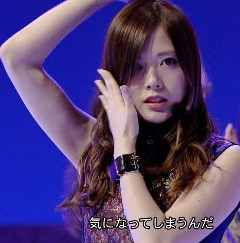 乃木坂46の新曲インフルエンサーのワキがたまらんエロキャプ画像