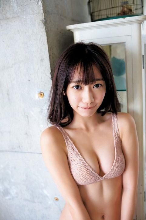 関根優那(24)の胸チラ谷間がエッチ過ぎる最新グラビアww【エロ画像】