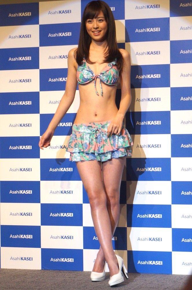 久慈暁子(22)クジパンを襲名した新人アナが水着グラビアも出しててクッソエロいww【エロ画像】