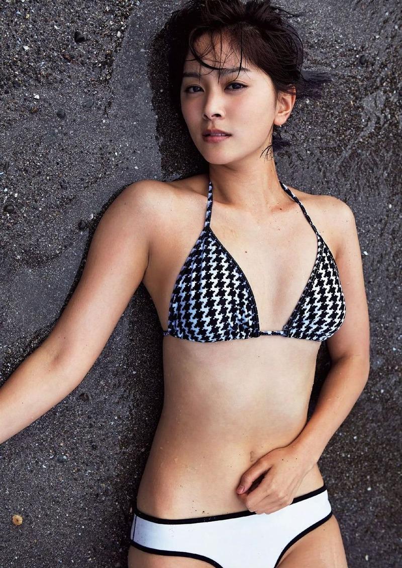 女優・石橋杏奈(22)のCカップおっぱいと美脚がドスケベ過ぎるwww【エロ画像】