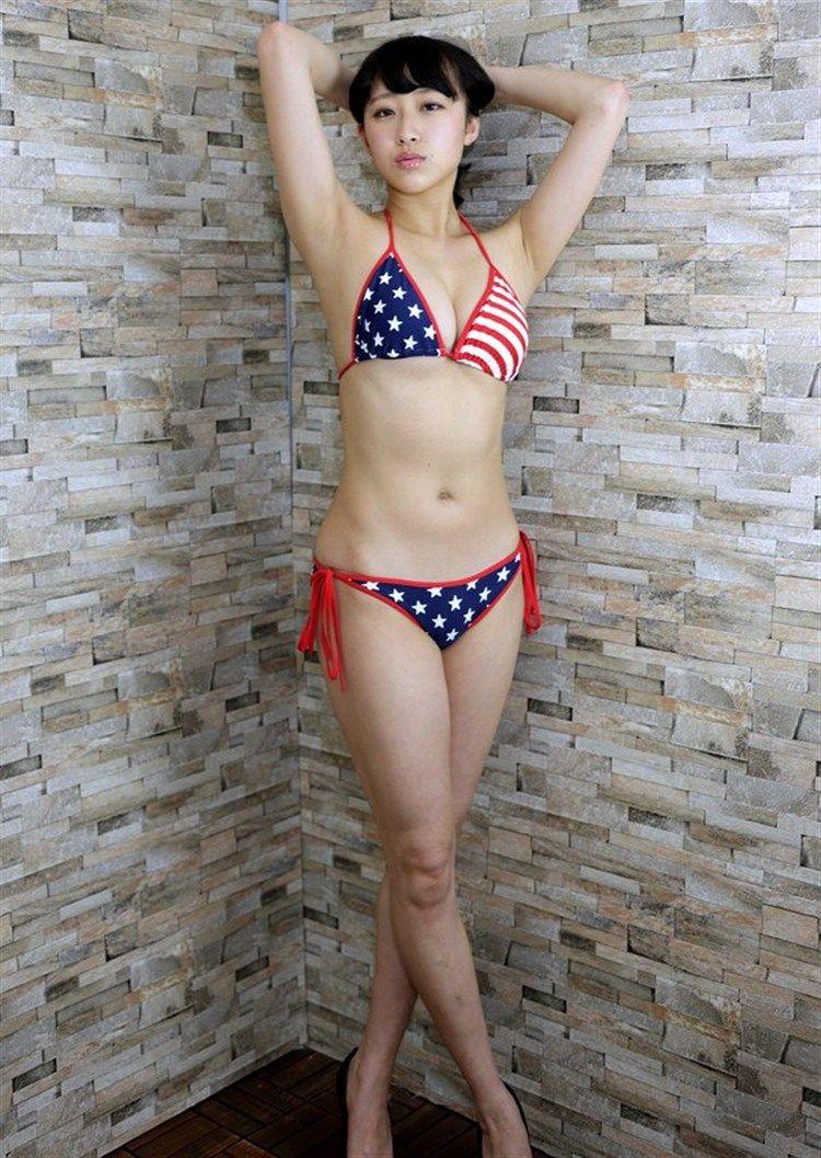 木村涼香(19)元新体操選手というだけあってスタイル抜群でグラビアがエロいww【エロ画像】