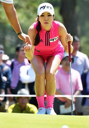 アン・シネ(26)着衣巨乳の整形美女の韓国ゴルファーがエロいww【エロ画像】