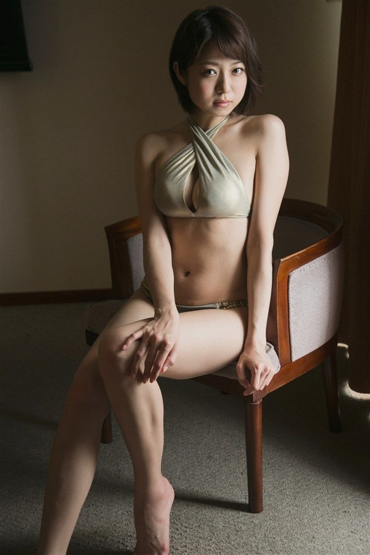中村静香 (28)Fカップ、癒し系グラドルの巨乳豊満ボディがけしからんwww【エロ画像】