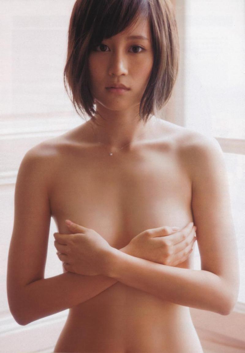 前田敦子(27)が第一子出産したので手ブラや水着グラビアww【エロ画像】