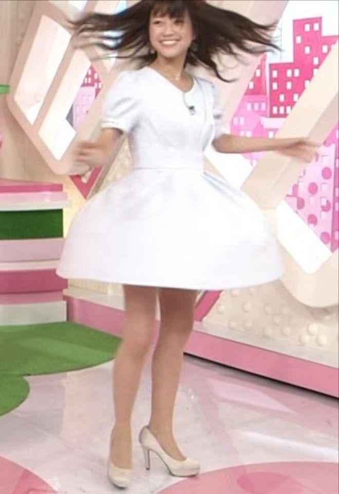 中川絵美里アナ(22)ひらひらスカートでパンチラ寸前で美脚がたまらんww【エロ画像】