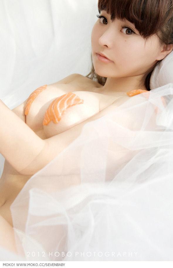 超可愛い中国のモデル柳侑綺さん(20)がけしからんセミヌード披露【エロ画像】