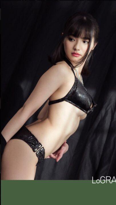 片岡沙耶 (23)自分で作ったという黒水着が下乳もはみ出してて少し大人っぽい感じでGカップがけしからんww【エロ画像】
