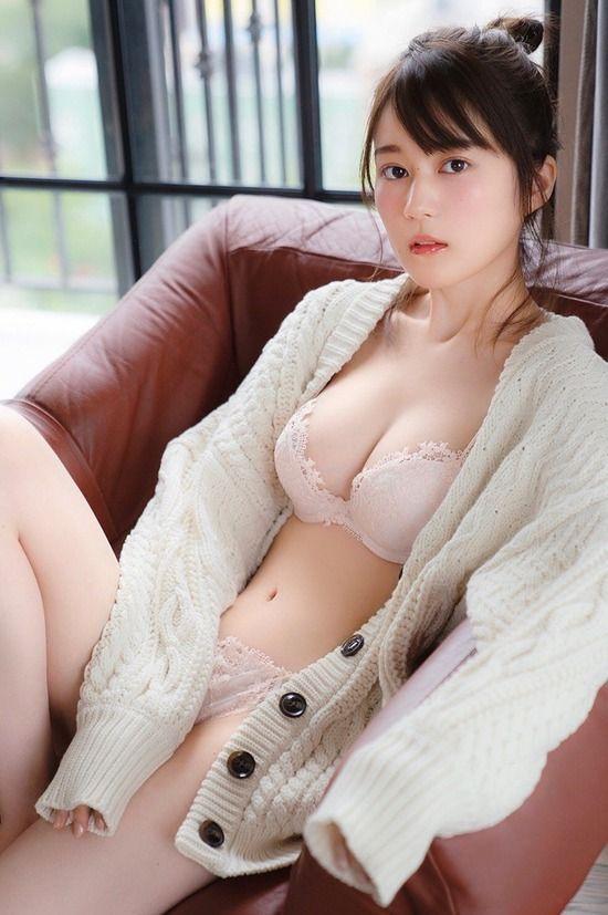 生田絵梨花(21)のランジェリー姿の先行カットがけしからんww【エロ画像】