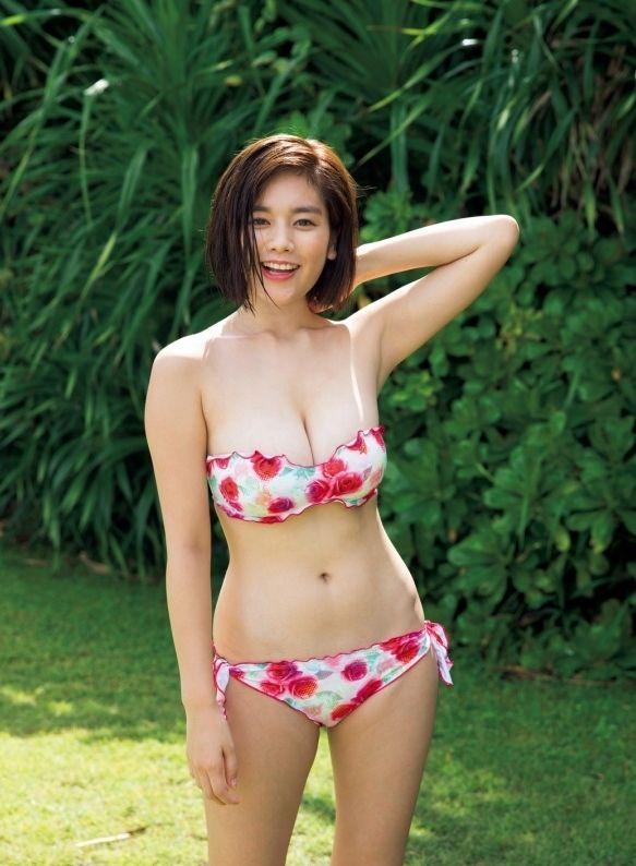 筧美和子(22)最新グラビアも爆乳っぷりが衰えず!みーこ孕まして母乳飲みたいファン続出ww【エロ画像】