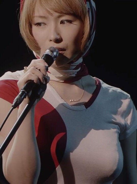 椎名林檎(39)ノーブラ乳首ポッチがぐうシコww【エロ画像】