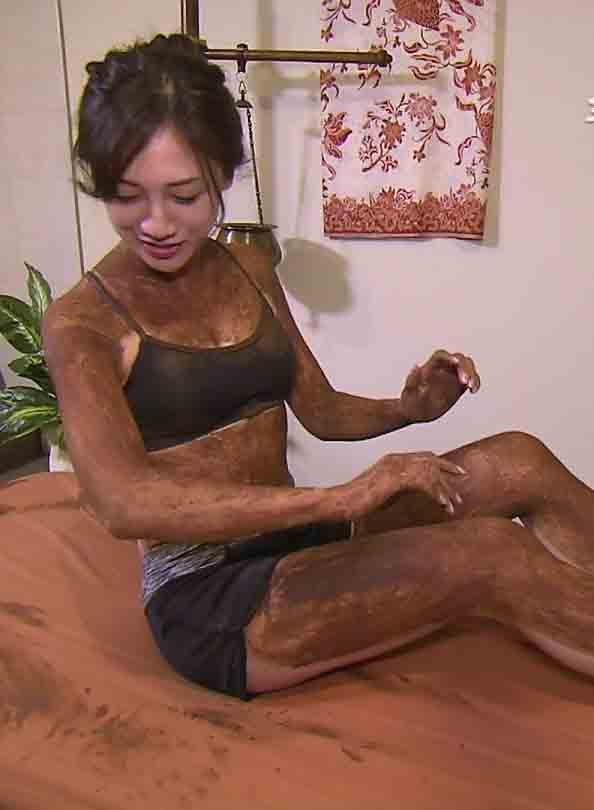 森川侑美(29)旅サラダで見せたチョコレートスパ姿がなんかエロいww【エロ画像】