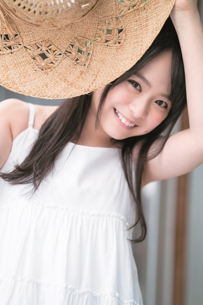 AKB48倉野尾成美(16)清純系娘のグラビアがフレッシュで抜けるww【エロ画像】