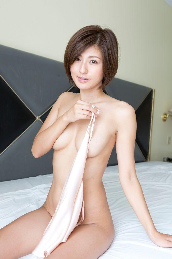 宮内知美(42)再婚した元ミニスカポリス美熟女のヌードが抜けるww【エロ画像】