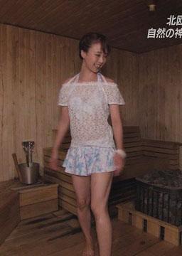 妃海風(29)の旅サラダで見せた微妙な水着姿ww【エロ画像】