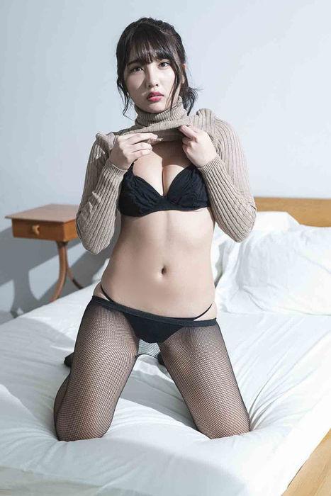 水沢柚乃(20)の最新のむっちりグラビアがぐうシコww【エロ画像】