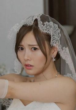 白石麻衣(26)の絶対零度で見せたウェディングドレス姿が抜けるww【エロ画像】