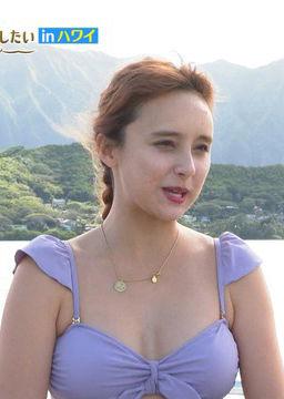 石田ニコル(28)のTVで見せた水着姿がエロいww【エロ画像】