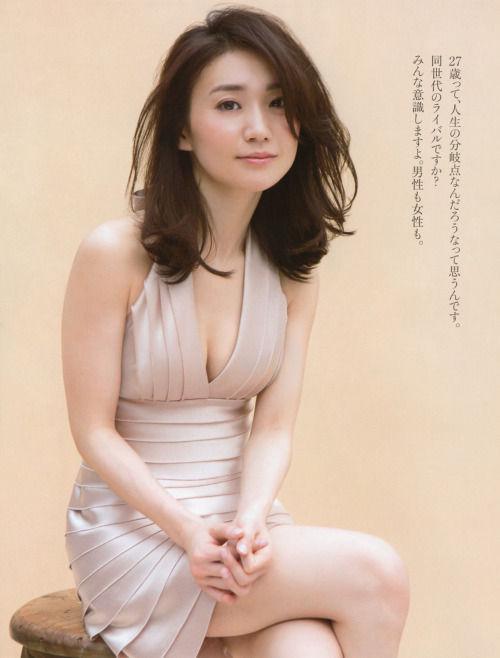 大島優子(27)のアラサーグラビアがエロい!むちむちおっぱいと太ももにフルボッキ【エロ画像】