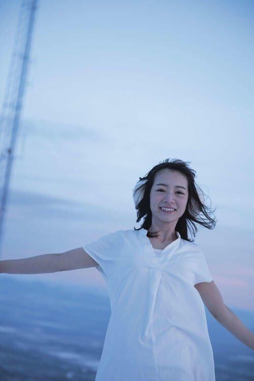 北野日奈子(22)の写真集が水着や下着もあるらしいww【エロ画像】