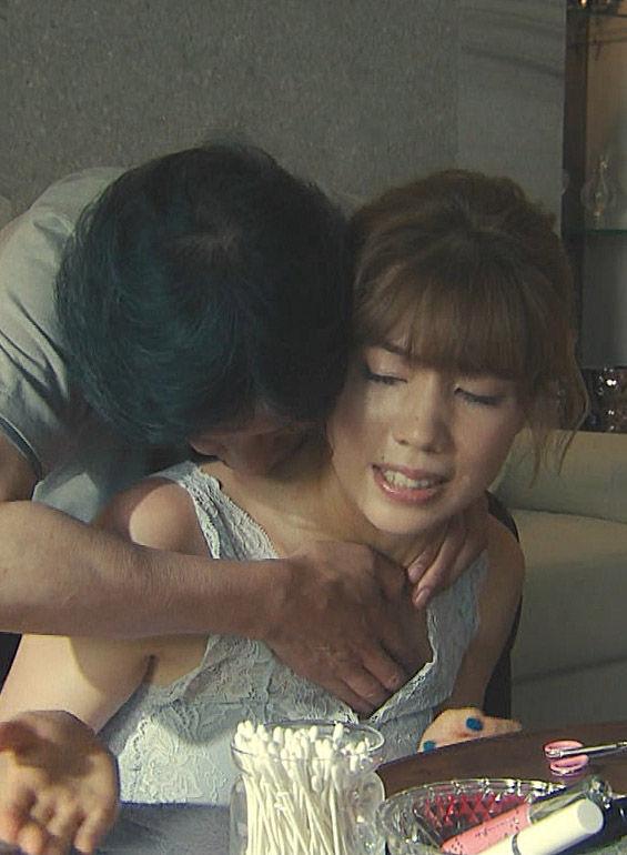 仲里依紗(27)最新ドラマで柔らかそうな巨乳おっぱいを乳揉みされてるぞww【エロ画像】