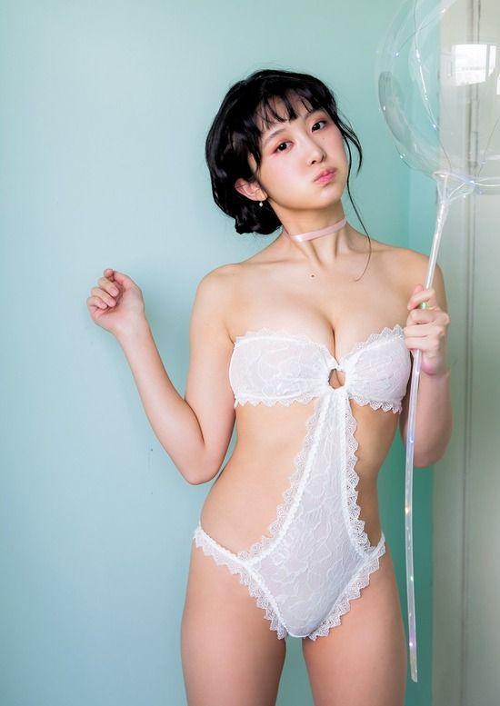 真島なおみ(20)の卑猥過ぎるセクシーランジェリー姿がぐうシコww【エロ画像】