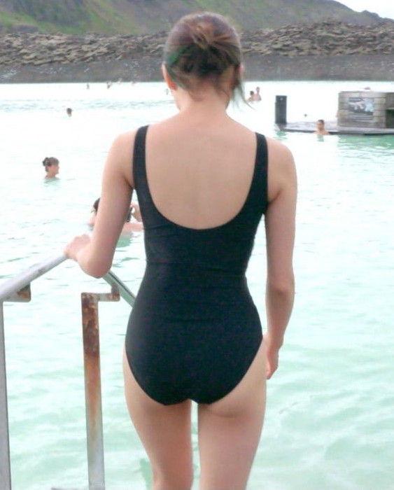女優二階堂ふみ(21)がスク水でプリケツ披露!太ももとデカ尻とおっぱいにフルボッキ【エロ画像】