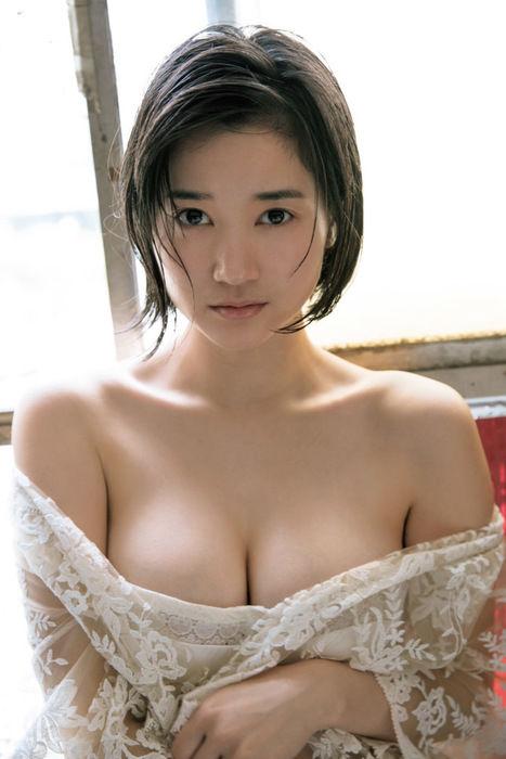 出口亜梨沙(26)巨乳すぎるレポーターエロボディがぐうシコww【エロ画像】