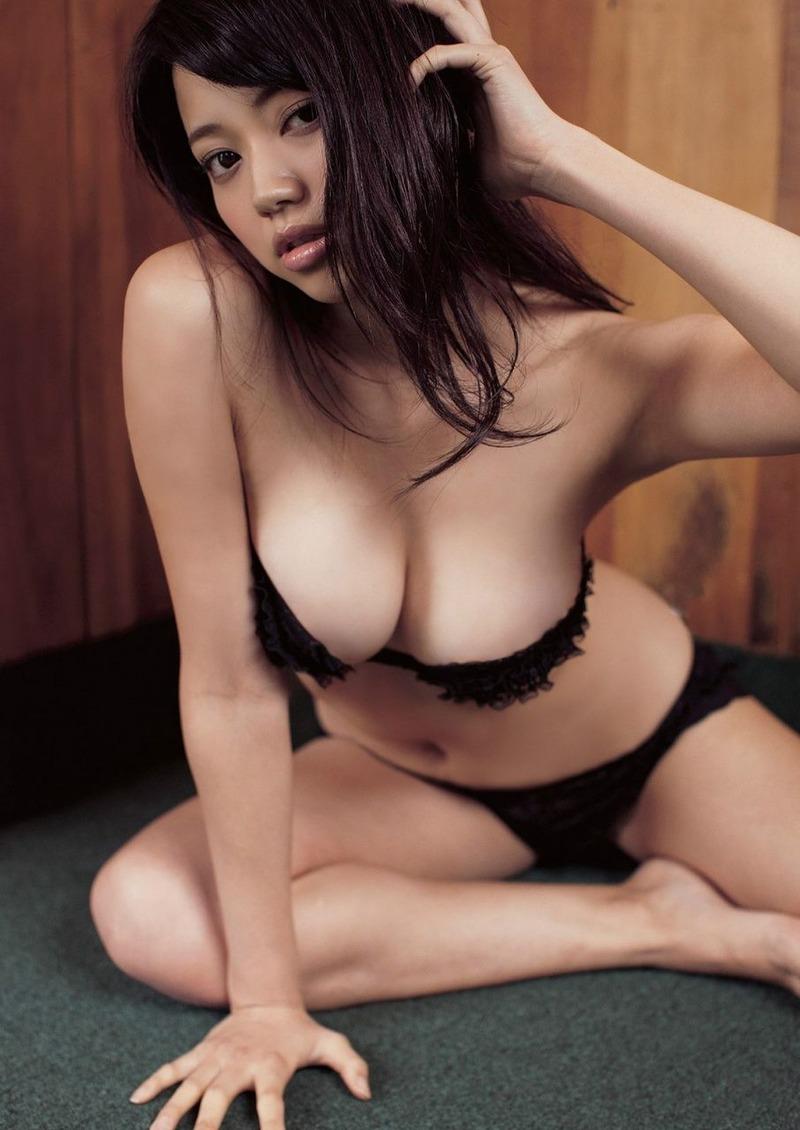 私ドMなんです!人気急上昇・小間千代(23)が巨乳、美脚でドスケベ過ぎるwww【エロ画像】