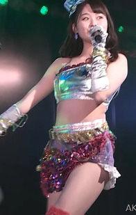 AKB48達家真姫宝(17)のライブ衣装姿がくっそエロいww【エロ画像】