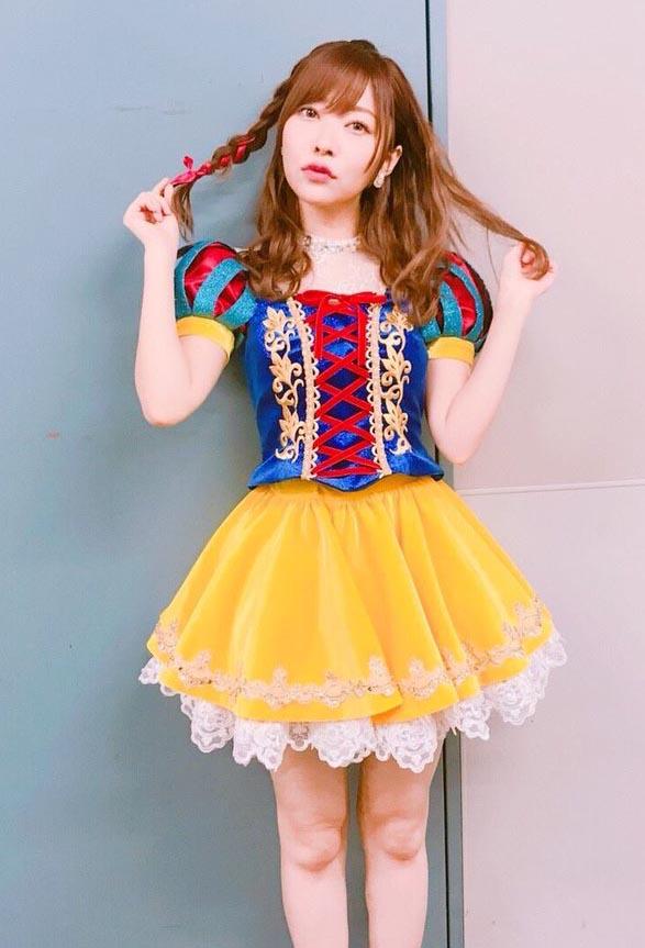 指原莉乃(24)ハロウィンの白雪姫コスが勃起不可避ww【エロ画像】