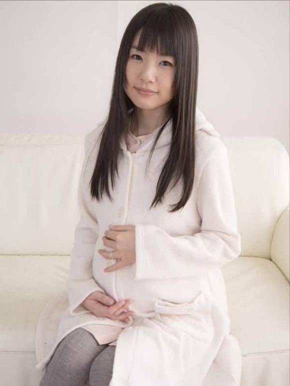 AV女優つぼみが妊娠してそのまま撮影wwww【エロ画像】