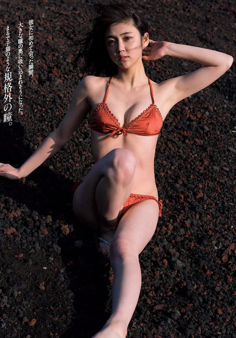 山谷花純(20)モモニンジャー役の女優のグラビアがぐうシコww【エロ画像】