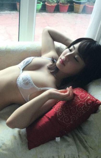 平嶋夏海(25)のカレンダーで透け乳首しててクッソ抜けるww【エロ画像】