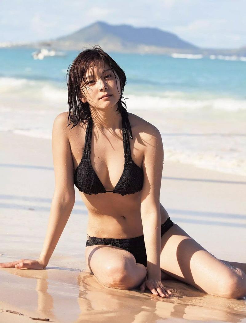 女優・石橋杏奈(22)が1年ぶりにビキニ姿に!写真集「Melia」での水着カットがドスケベ過ぎる【エロ画像】
