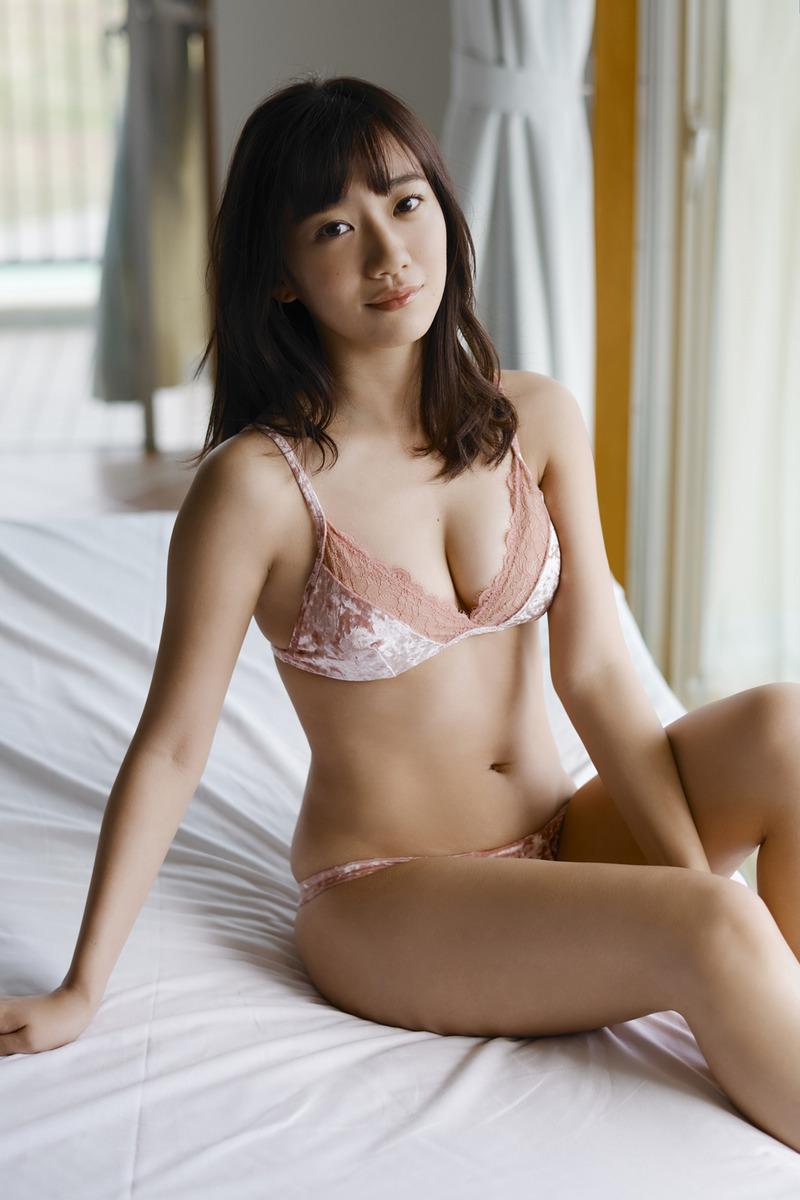 関根優那(24)の最新の抱き心地良さそうな下着グラビアが抜けるww【エロ画像】