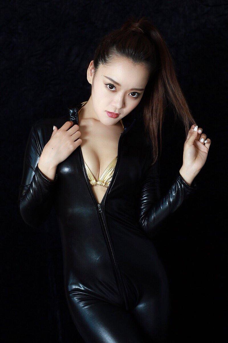 池内リナ(25)介護福祉士をしながらRQする二刀流美女ww【エロ画像】