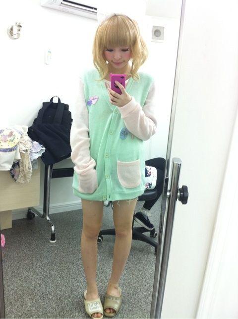 きゃりーぱみゅぱみゅ(20)の脚白くてけしからん【エロ画像】