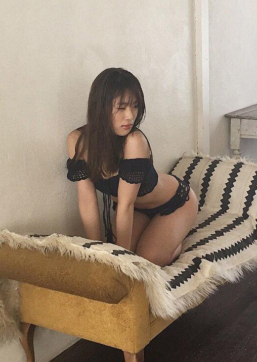 NMB48渋谷凪咲(24)の水着姿のオフショットが抜けるww【エロ画像】